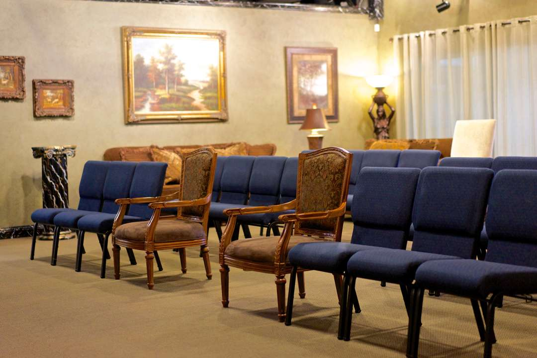 Martin Thompson & Son Funeral Home Chapel