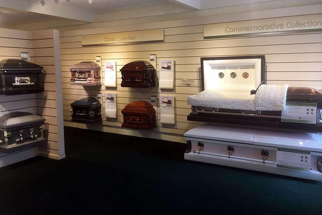 caskets2