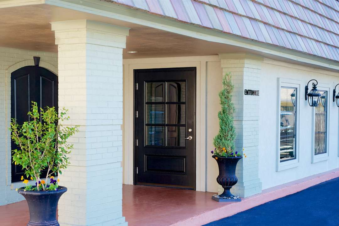 Martin Thompson & Son Funeral Home Entrance